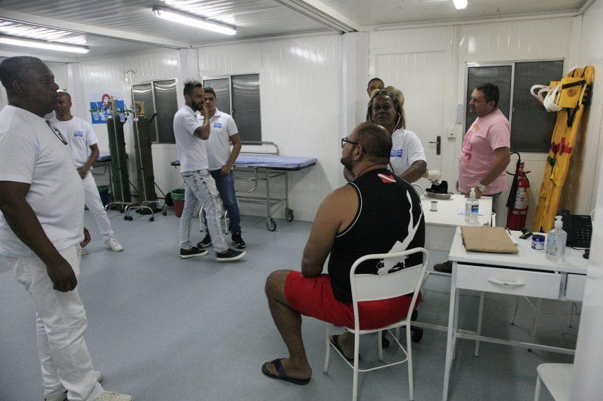 Atendimento médico no posto médico Largo da Carioca