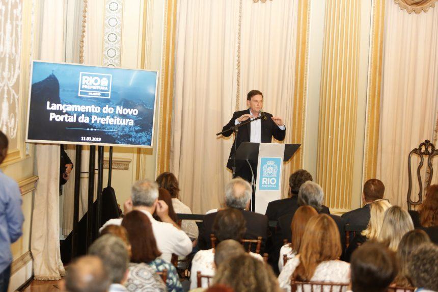 Prefeito participa de lançamento do novo Portal da Prefeitura