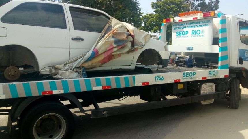 Seop realiza operação especial contra veículos abandonados e estacionamento irregular na Ilha do Governador