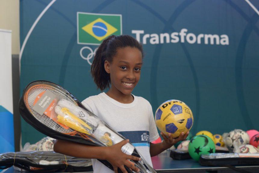 Escola municipal olímpica recebe materiais esportivos do Comitê Olímpico do Brasil