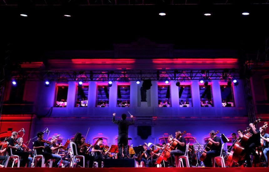 Apresentação de natal, em dezembro de 2018, da Orquestra Sinfônica Juvenil Carioca. Foto: Michel Filho / Prefeitura do Rio