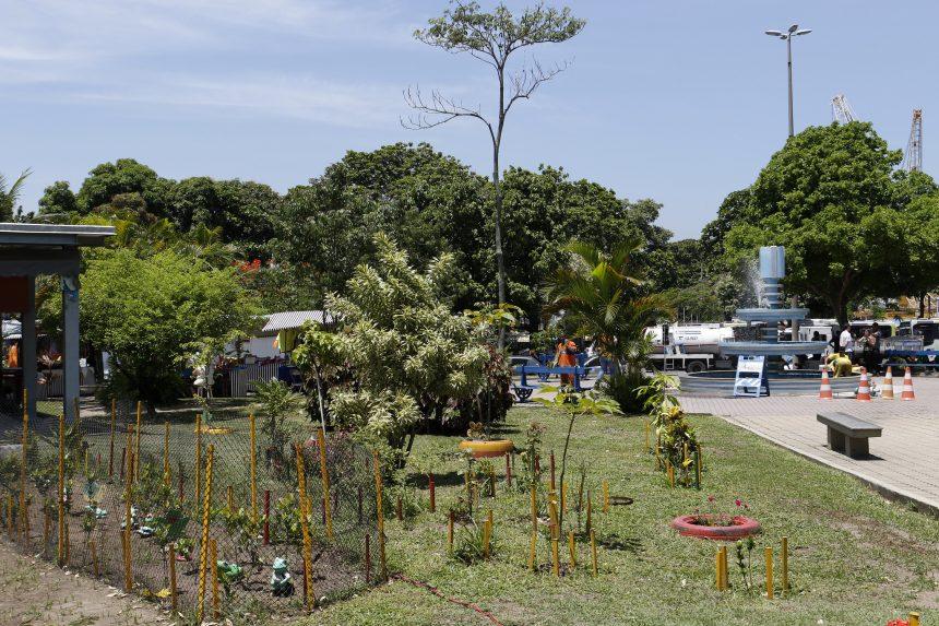 Praça Iaiá Garcia, na Ilha do Governador, é adotada por empresa de lubrificante. Foto: Michel Filho / Prefeitura do Rio