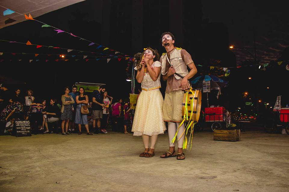 Teatro e cultura estão nas opções de atividades para colônias de férias da Prefeitura: na foto, Cordel da Lua Madrinha / divulgação