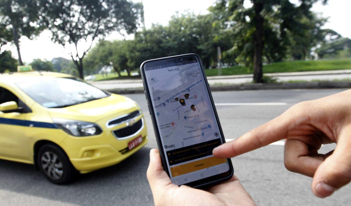 Plataforma de mobilidade Taxi.Rio ajuda órgãos municipais da economizar dinheiro público. Foto: Paulo Sérgio / Prefeitura do Rio