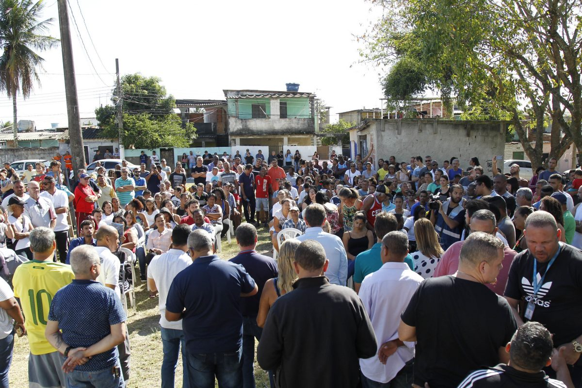 População acompanha lançamento de obra de clínica da família na Zona Oeste