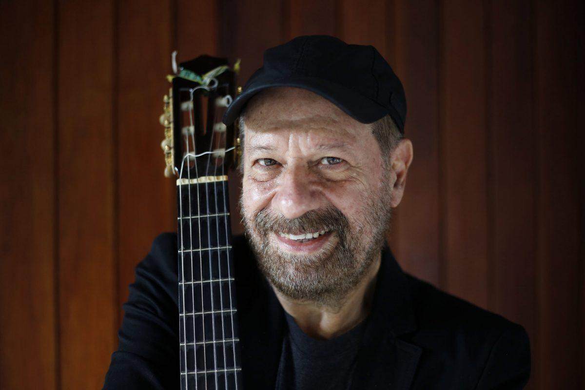 O cantor e compositor João Bosco