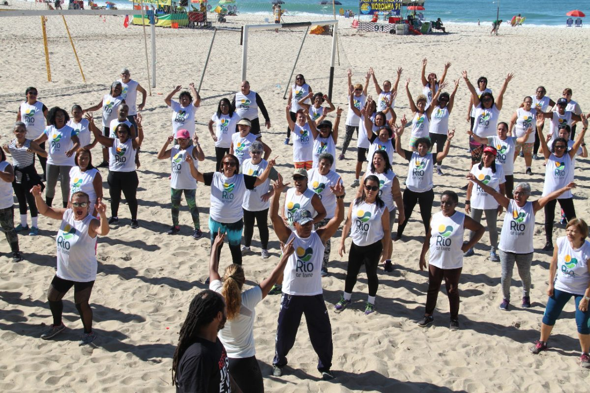 Aulão de dança na Praia de Copacabana. Foto: Débora Reis / divulgação