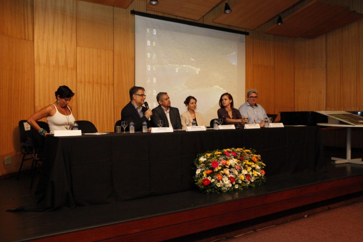 Da esquerda pra direita: Juliana Oakim; Aldo Mussi; Manoel Vieira; Cláudia Escarlate; Valéria Hazan e Johannes Bloos (Foto: Athur Tezolim)
