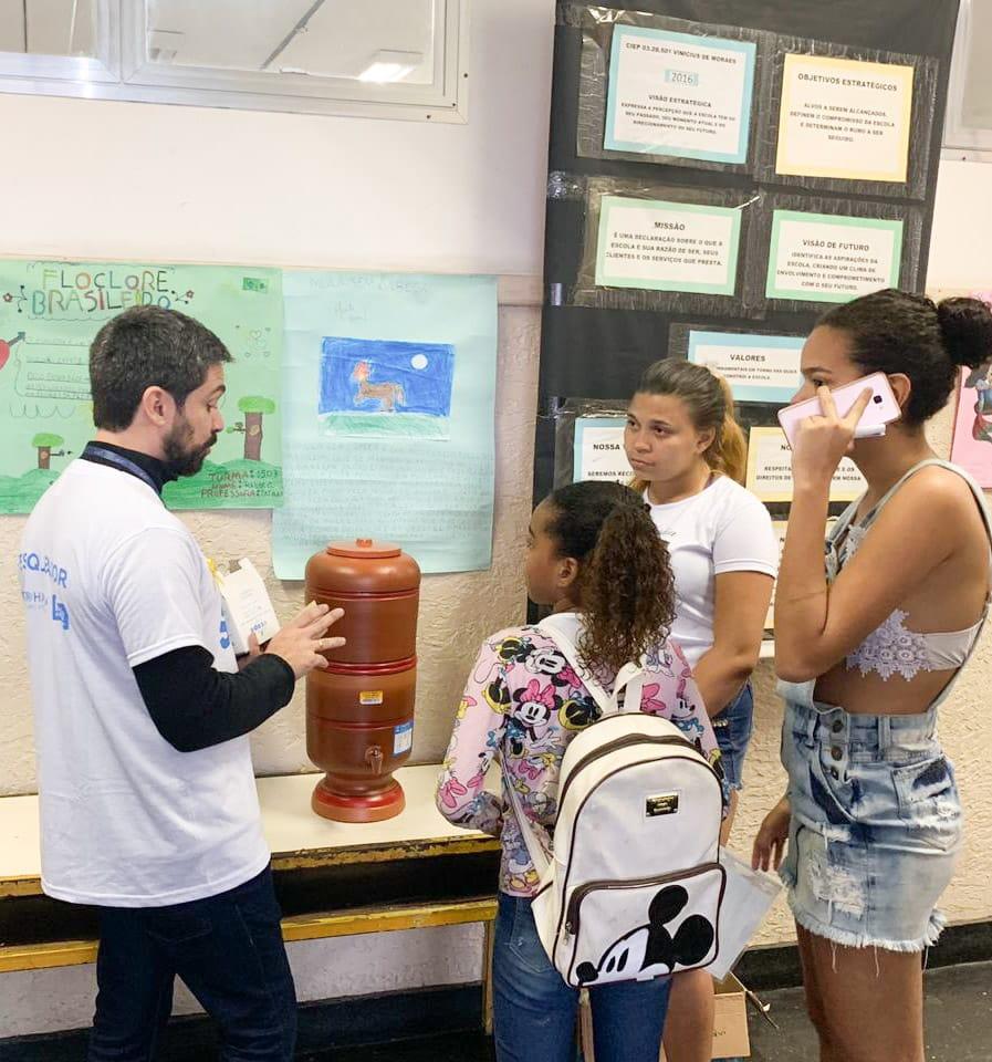 Moradoras do Jacarezinho recebem atendimento no Programa Territórios Sociais