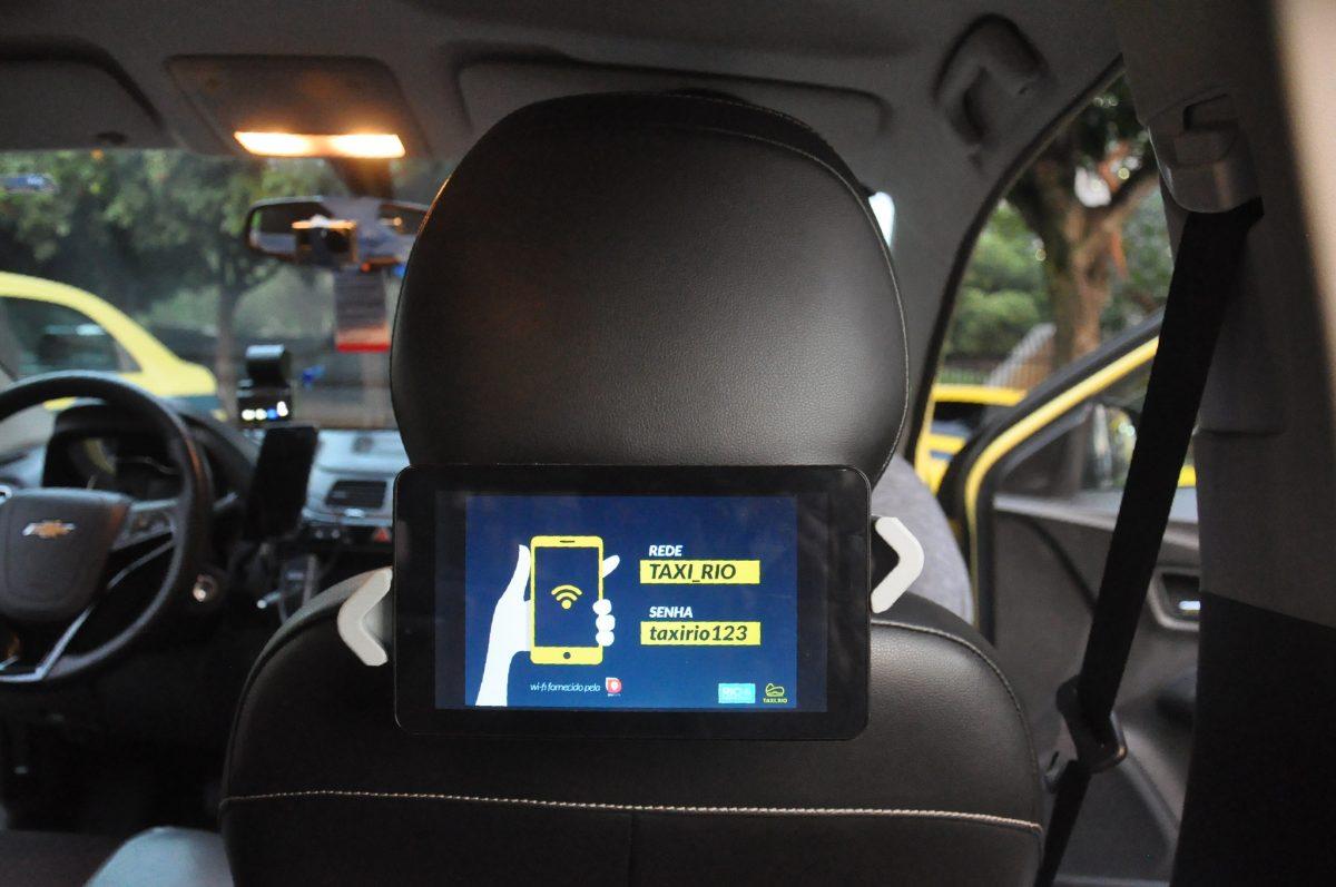 Lançamento do Wi-Fi gratuito para veículos da Plataforma Taxi.Rio. Foto: Nelson Duarte / Prefeitura do Rio