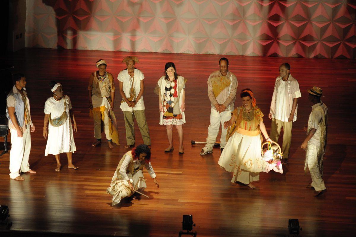 Grupo participa de peça do Festival Desculpe Incomodar
