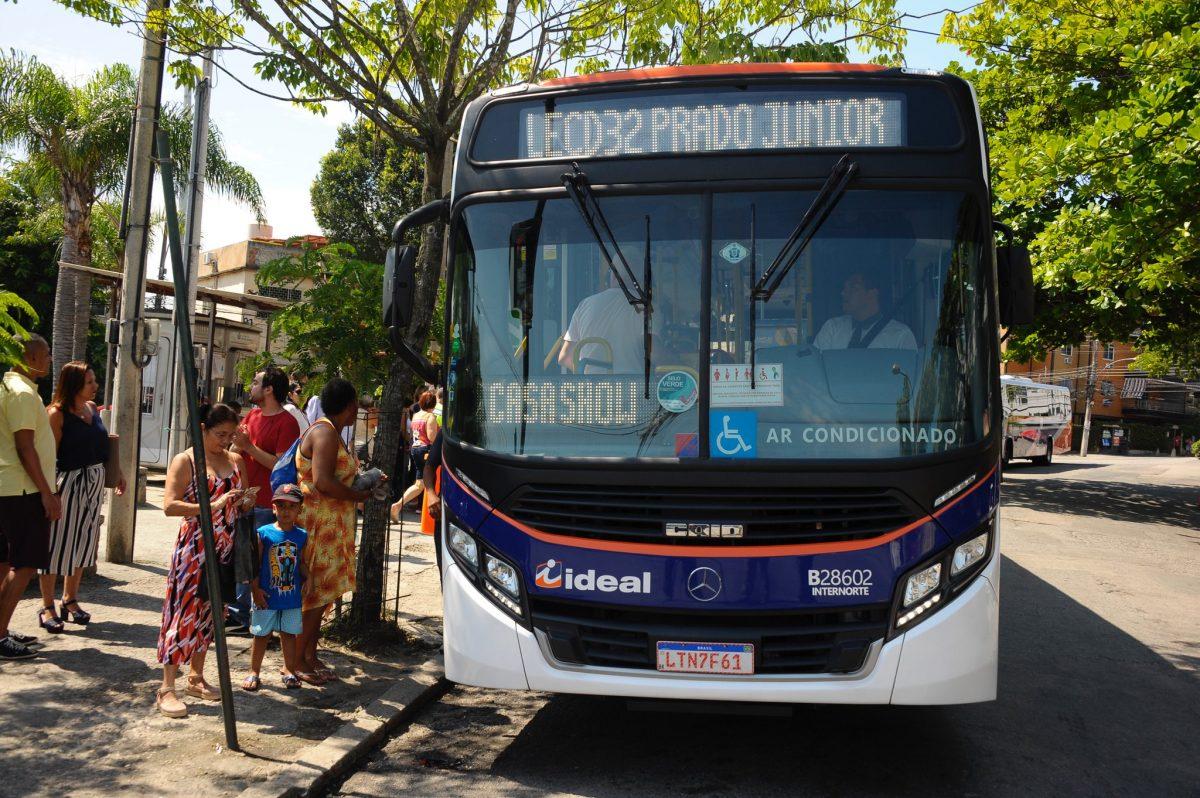 Nova linha de ônibus inaugurada pela SMTR é a primeira direta entre a Ilha do Governador e a Zona Sul. Foto: Marco Antônio Rezende / Prefeitura do Rio