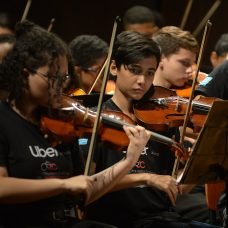 Palacete em Santa Cruz será palco de Concerto de Natal realizado por orquestra formada por alunos