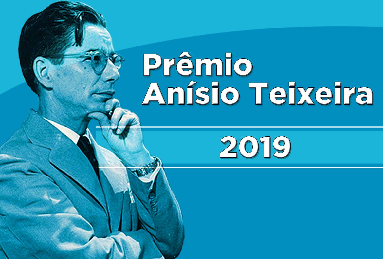 Professores da rede municipal recebem Prêmio Anísio Teixeira 2019 em concurso de monografias
