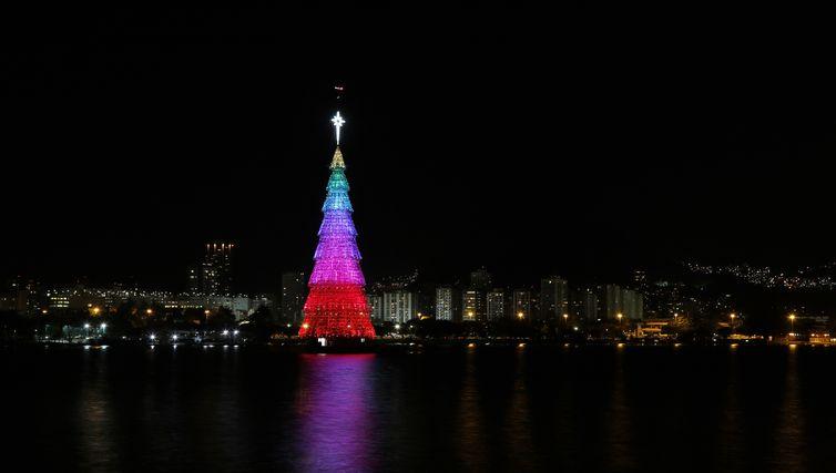 Árvore de Natal da Lagoa Rodrigo de Freitas. Foto de arquivo: Michel Filho / Prefeitura do Rio