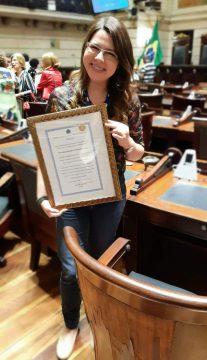 Imortal Ana Maria Machado parabeniza projeto literário de professora de escola municipal