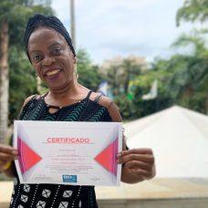 """Vera se formou no curso de artesanato: """"divisor de águas"""". Foto: Giovanna Abbud"""