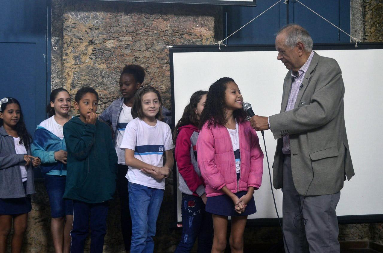Academia Brasileira de Letras é palco de premiação de redação dos alunos da Rede Municipal de Ensino dia 4/12