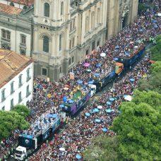Bola Preta desfila no Centro do Rio