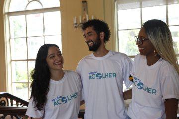 Isabela Oliveira (à esquerda), Wellington Chagas e Camila Bonfim (à direita) ficaram felizes com a oportunidade de participar do projeto. Fotos: Rhavinne Vaz/ Prefeitura do Rio
