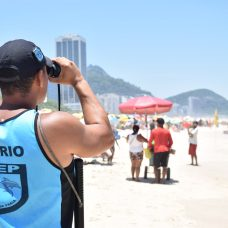 Guarda Municipal em ação na Praia de Copacabana. Foto: Robert Gomes / divulgação GM