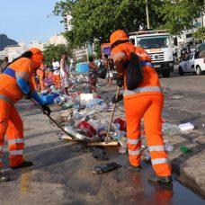 A Comlurb usou sua expertise em limpeza urbana e recolheu o lixo produzido no Réveillon com a agilidade de sempre. Foto: divulgação