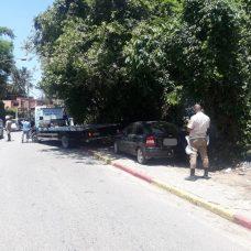 Guarda Municipal em ação contra estacionamento irregular no Itanhangá. Foto: divulgação