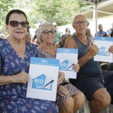 Os moradores Maria Emília Pessanha, Maria Madalena Furtado e Rubens Seara. Foto: Mariana Ramos / Prefeitura do Rio