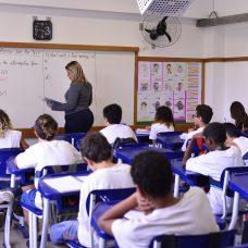 Prefeitura convoca 196 professores para ampliação de carga horária
