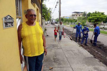 Getúlio Silva mora na Rua Guarulhos há mais de 50 anos. Foto: Marcos de Paula / Prefeitura do Rio