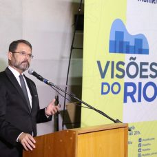 Jornalista Sidney Rezende vai apresentar o Visões do Rio, programa semanal de entrevistas. Foto: Hudson Pontes / Prefeitura do Rio
