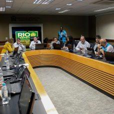 Prefeito reuniu os secretários no COR. Fotos: Marcelo Piu/Prefeitura do Rio