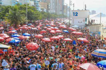 Os blocos de rua, como o Areia, no Leblon, fizeram sucesso no Carnaval - Foto: Marco Antonio Teixeira | Riotur