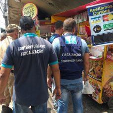 Agentes da CCU/Fazenda fiscalizam comércio de rua na Zona Oeste. Foto: divulgação