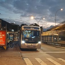 Prefeitura oferece transporte gratuito para servidores da Saúde, Guarda Municipal e Assistência Social