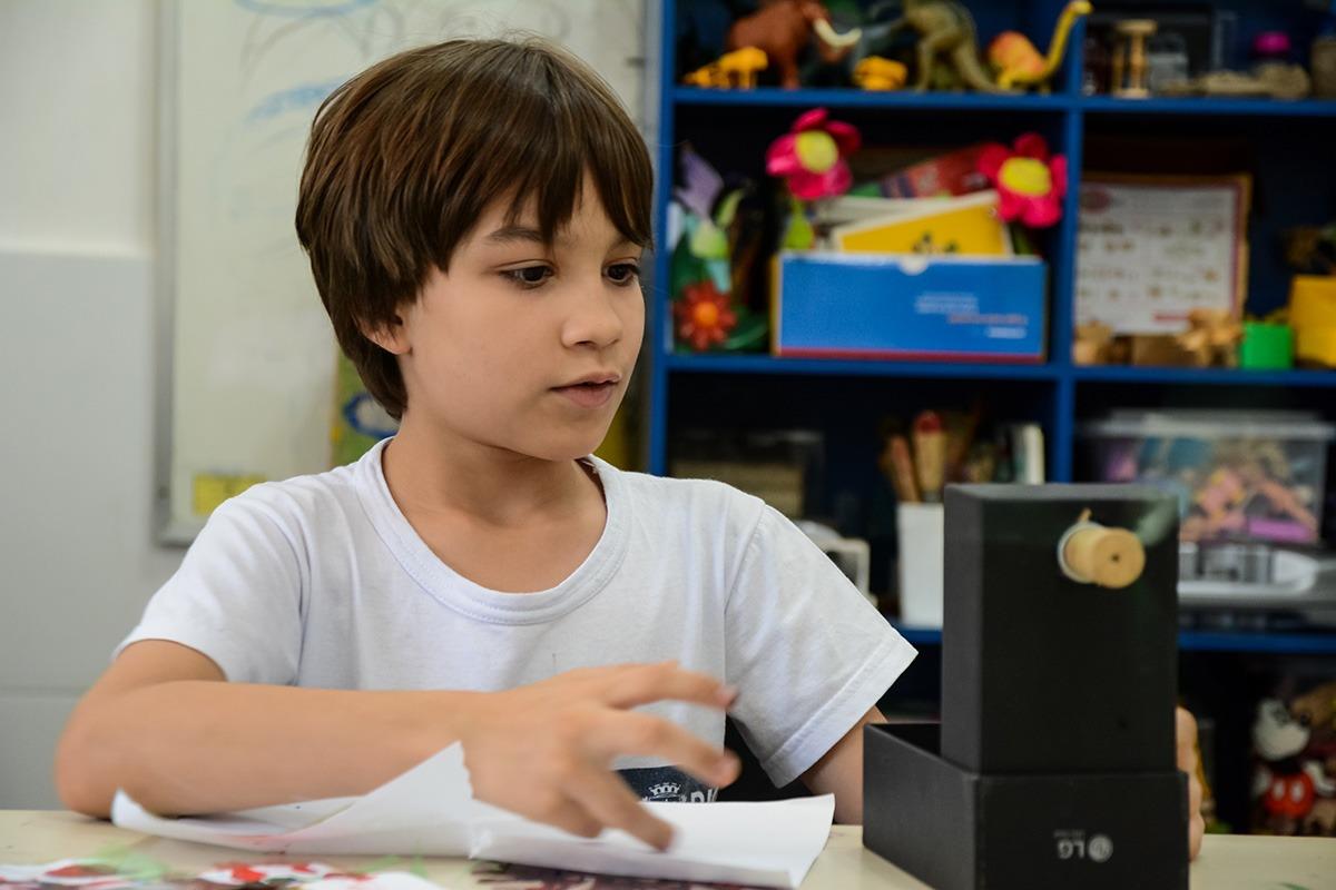 No Dia Mundial da Conscientização do Autismo, Secretaria Municipal de Educação prepara mosaico com alunos