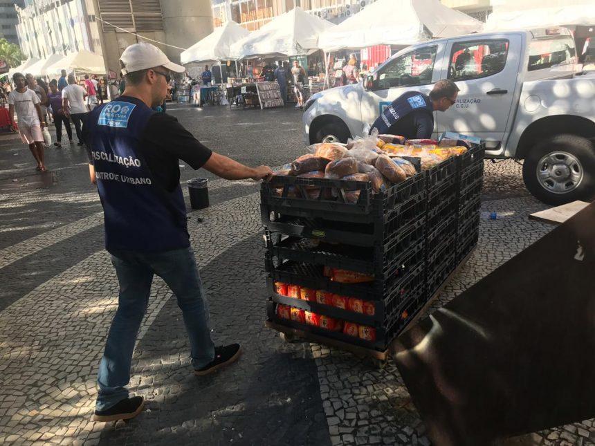 Fiscais da CCU fazem operação no Calçadão de Bangu