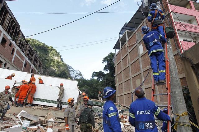 Prefeitura mantém ações de ajuda às vítimas da chuva na Muzema