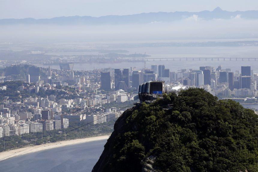O Rio de Janeiro visto do alto do Pão de Açúcar: cidade em busca da sustentabilidade