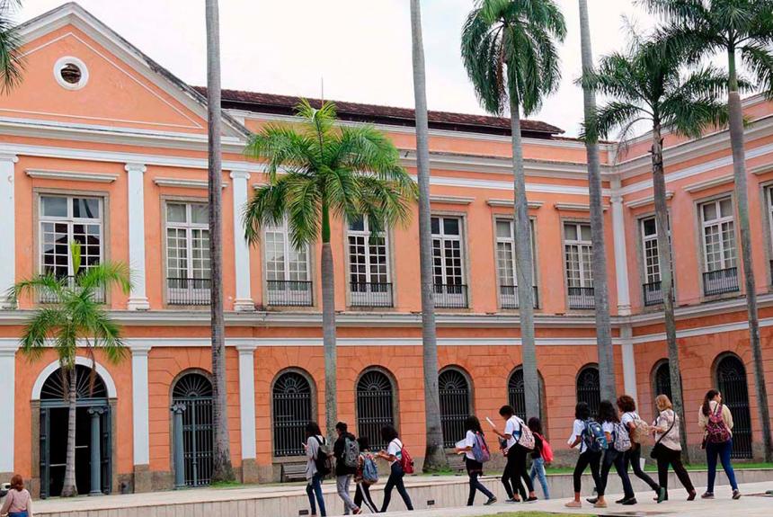 """Alunos de escolas da Prefeitura visitam o Arquivo Nacional pelo projeto """"O Rio todo (em) Prosa"""""""