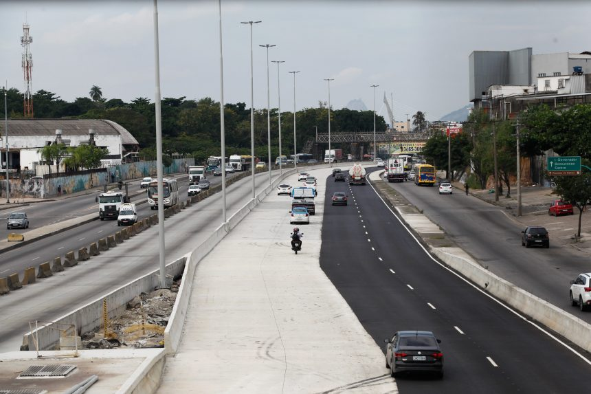 Trecho liberado da Avenida Brasil no sentido Centro. Foto: Hudson Pontes / Prefeitura do Rio