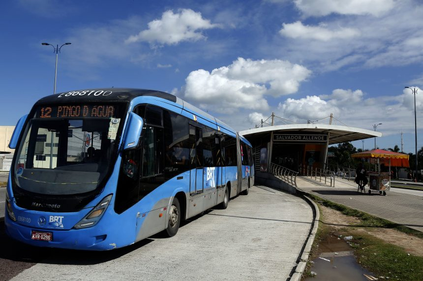 SMTR tenta apertar o cerco aos passageiros que usam o BRT sem pagar. Foto: Marcos de Paula / Prefeitura do Rio