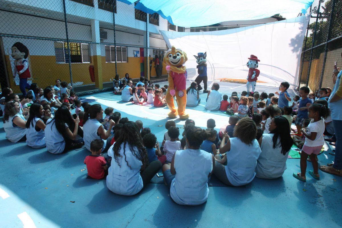 Crianças de creche municipal participam de atividade lúdica. Foto: divulgação