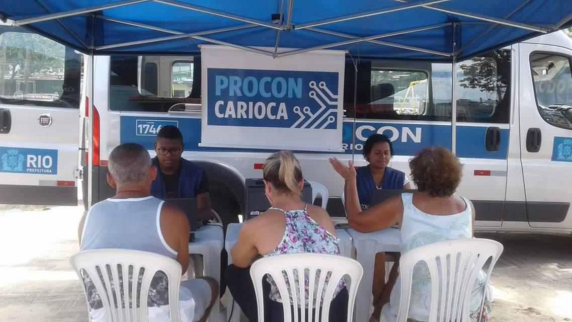 Procon Carioca está na Pavuna e na Tijuca, ajudando consumidores que tenham problemas com prestadores de serviço. Foto: divulgação