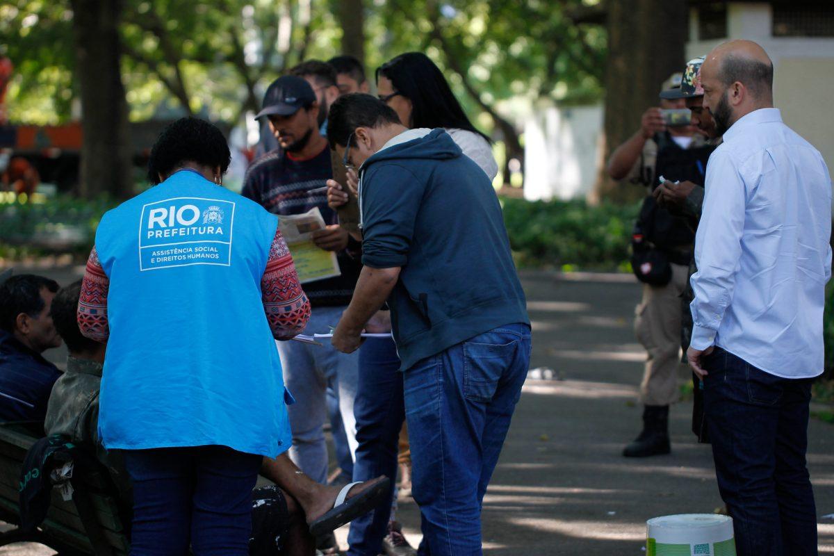 Acolhimento de pessoas em situação de rua pela Secretaria Municipal de Assistência Social e Direitos Humanos. Foto: Marcelo Piu / Prefeitura do Rio
