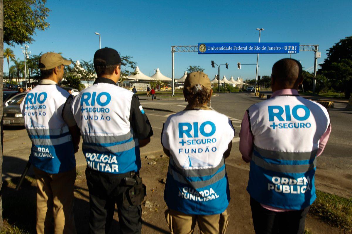 Agentes do Rio+Seguro no Fundão: bons resultados. Foto: Maurício Val / Prefeitura do Rio