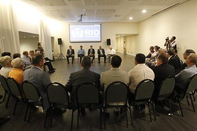 Prefeito Marcelo Crivella se reúne com empresários na Barra da Tijuca