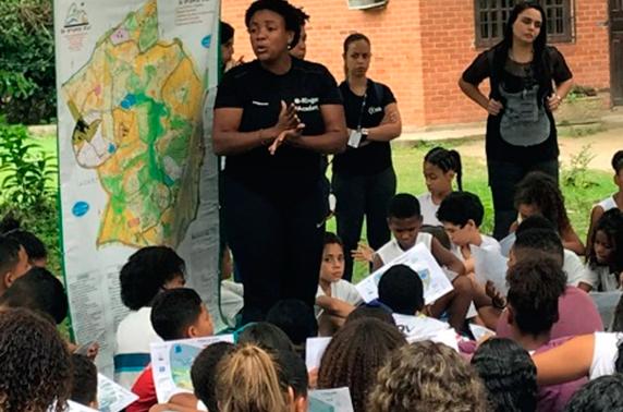 Secretarias municipais de Educação e de Meio Ambiente realizam evento com 160 alunos no Bosque da Barra