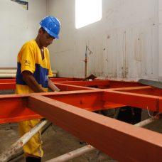 Todo o piso da UPA está sendo trocado. Foto: Marcelo Piu / Prefeitura do Rio