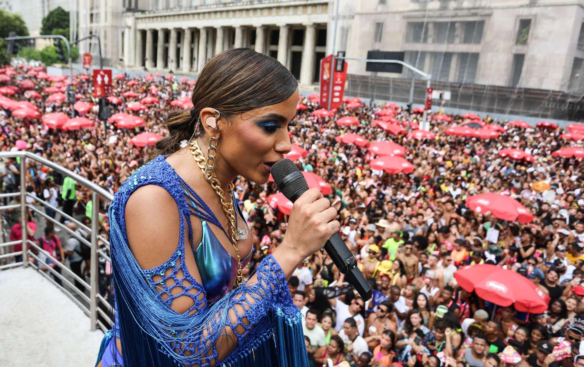 Bloco da Anitta fez a alegria de foliões no Centro: quase 400 mil pessoas. Foto: Fernando Maia / Riotur